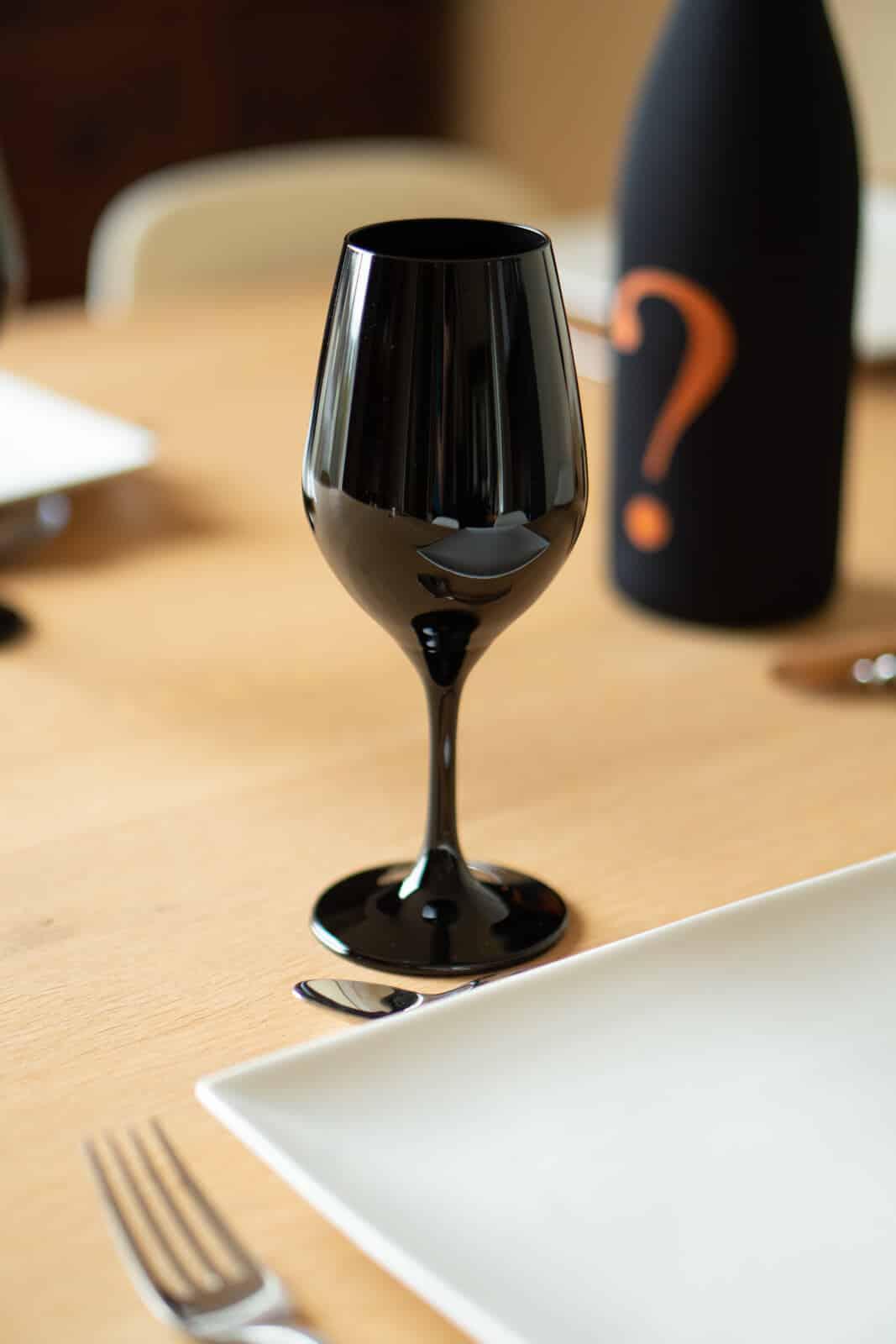Verre à vin de dégustation noir