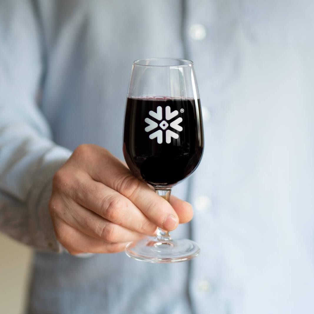 Verre à vin personnalisé avec logo flocon